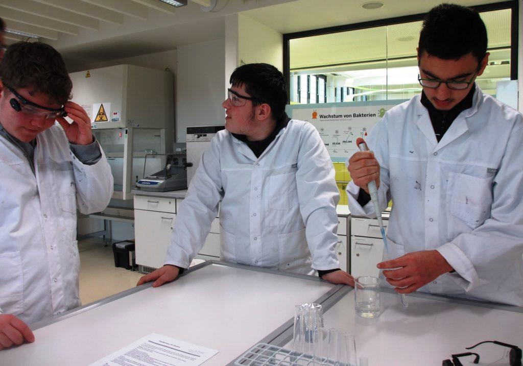 Besuch von Haus Overbach – Science College in Jülich